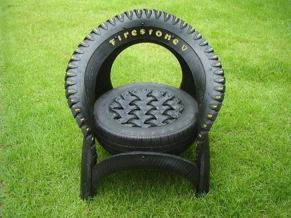 imagens e gifs floreiras de pneus. Black Bedroom Furniture Sets. Home Design Ideas